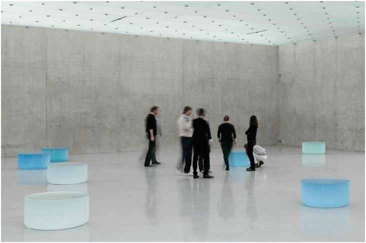 "Roni Horn    ""Well and Truly,"" 2009–10    solid cast glass"