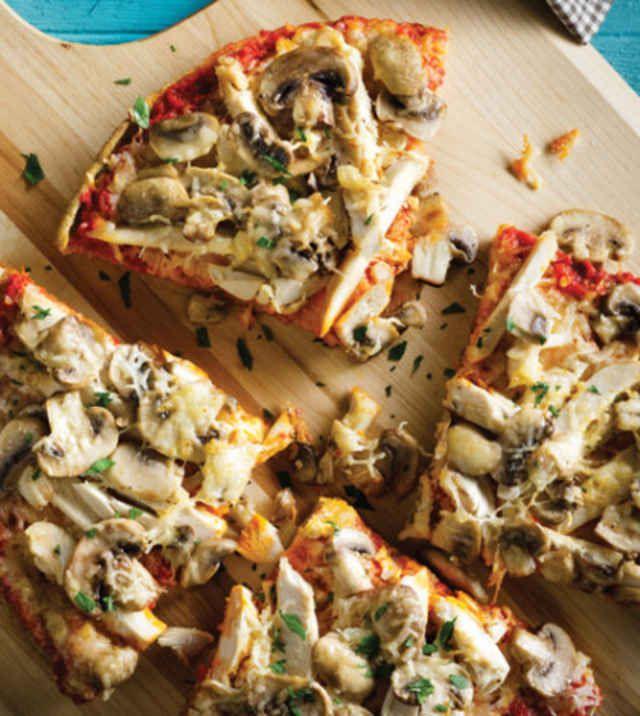Chicken & Mushroom Quinoa-Crust Pizza with Bell Pepper Sauce image