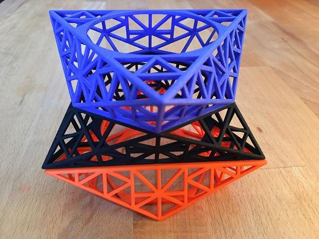 3d print, Nylon  hand dyed SLS Bangle stack , from Melbourne based design house Accessory Emergency AKA Sarah Cole