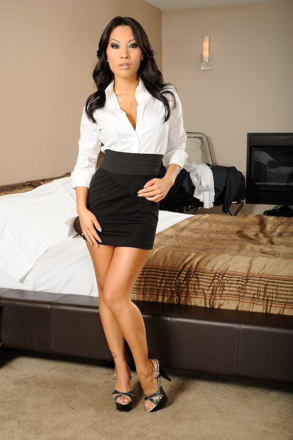 203 best images about Women in short skirts on Pinterest