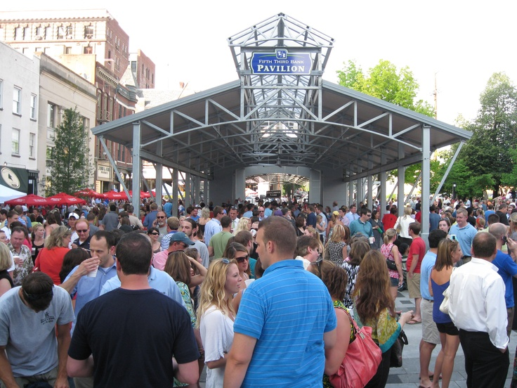 Every Thursday night from spring through fall, Thursday Night Live- Downtown Concert Series, is the place to be.  You will find people of all ages and all of downtown truly is alive!  Music, food, beverages......what more do you need?  One of my favorite things about Lexington!!