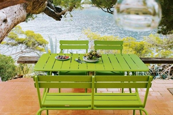 Bright And Bold Modern Outdoor Dining