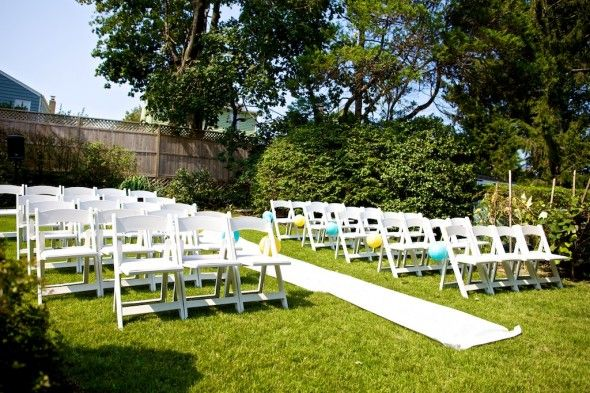 An Intimate Backyard Connecticut Wedding  http://rusticweddingchic.com/an-intimate-backyard-connecticut-wedding