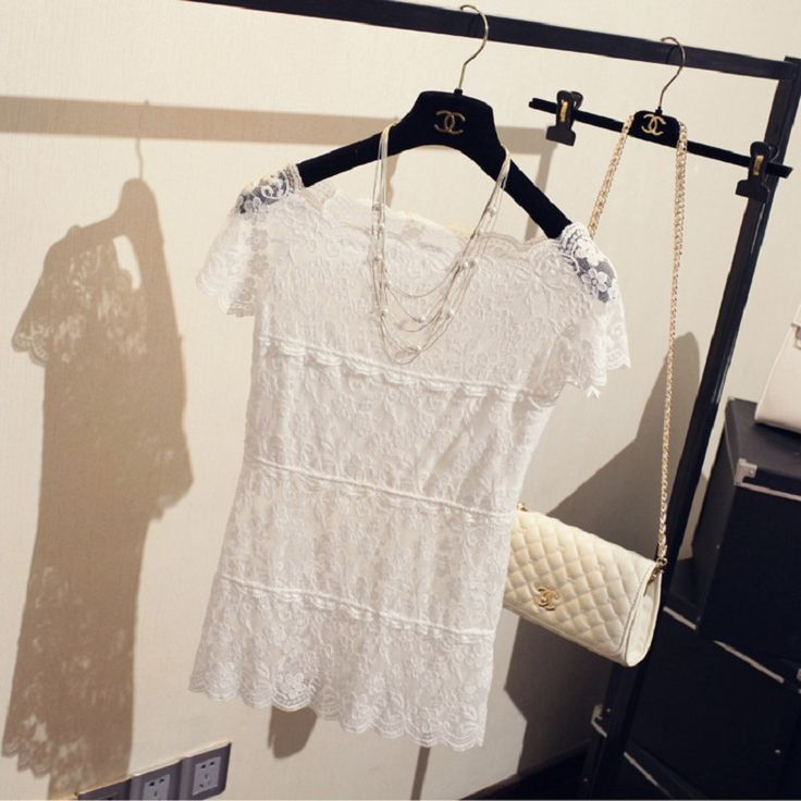This is a beautiful laced top we have it in white or black. It`s a cushy and light perfect for hot summer days or elegant Dinner.  You can combine it with chic trouser, a high waist skirt or a plaid skirt. Depending on the combination, your outfit will change from sexy to elegant.