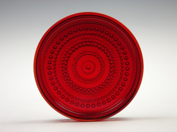 Nuutajarvi 'Kastehelmi' ruby glass bowl by Oiva Toikka