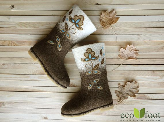 Woman felted wool boots Lily Valenki Organic sheep by ecofootua