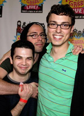 """Geeks"" John Francis Daley, Samm Levine and Martin Starr at event of Yo Gabba Gabba!"