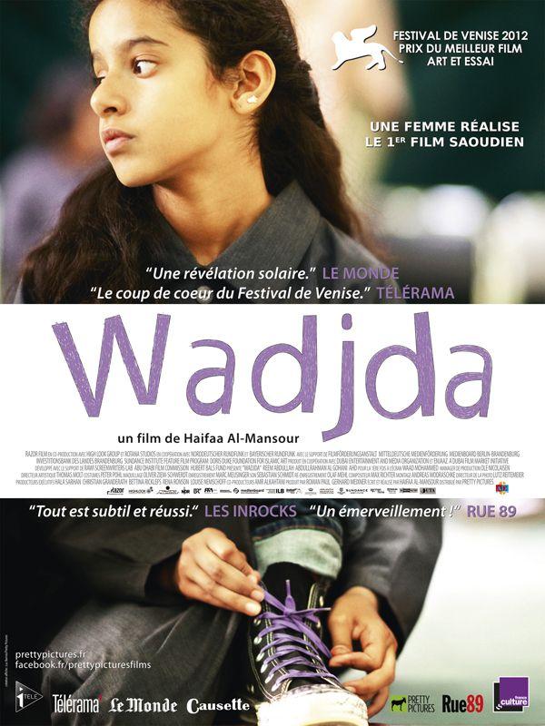 Wadjda est un film de Haifaa Al Mansour avec Waad Mohammed, Reem Abdullah. Synopsis : Wadjda, douze ans, habite dans une banlieue de Riyad, capitale de l'Arabie Saoudite. Bien qu'elle grandisse dans un milieu conservateur, c'est une fil