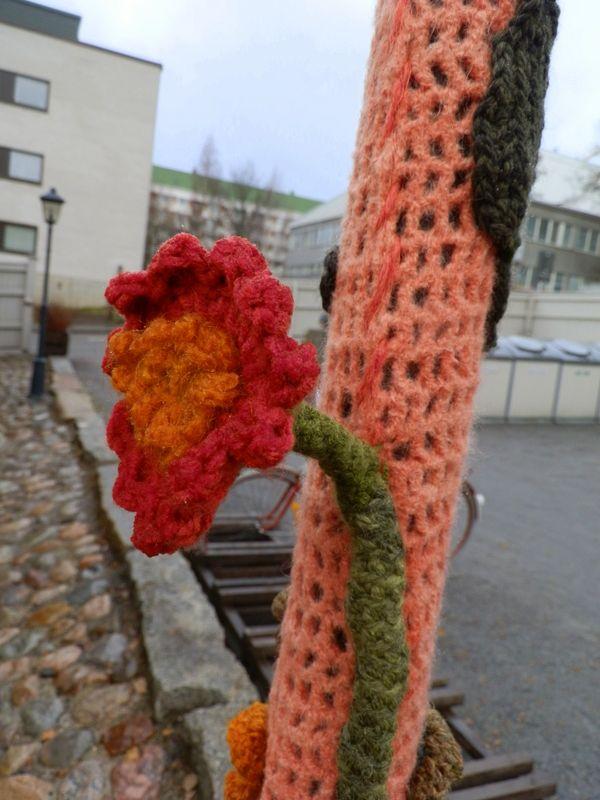 Crocheted flower at Toivolan Vanha Piha, Jyväskylä, Central Finland
