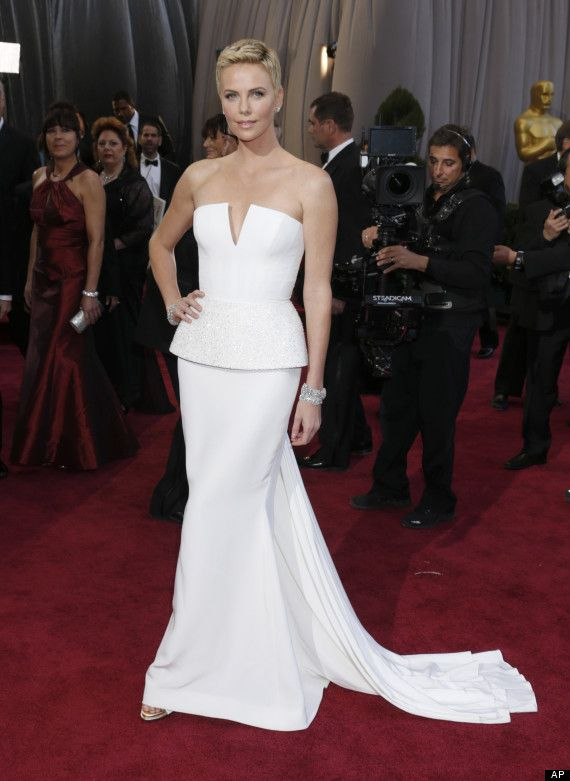 Charlize Theron in Dior at 2013 Oscars