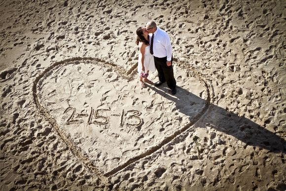 Beach Wedding Ideas On A Budget | Intimate Wedding with a Dinner Reception Following - Kiss My Tulle