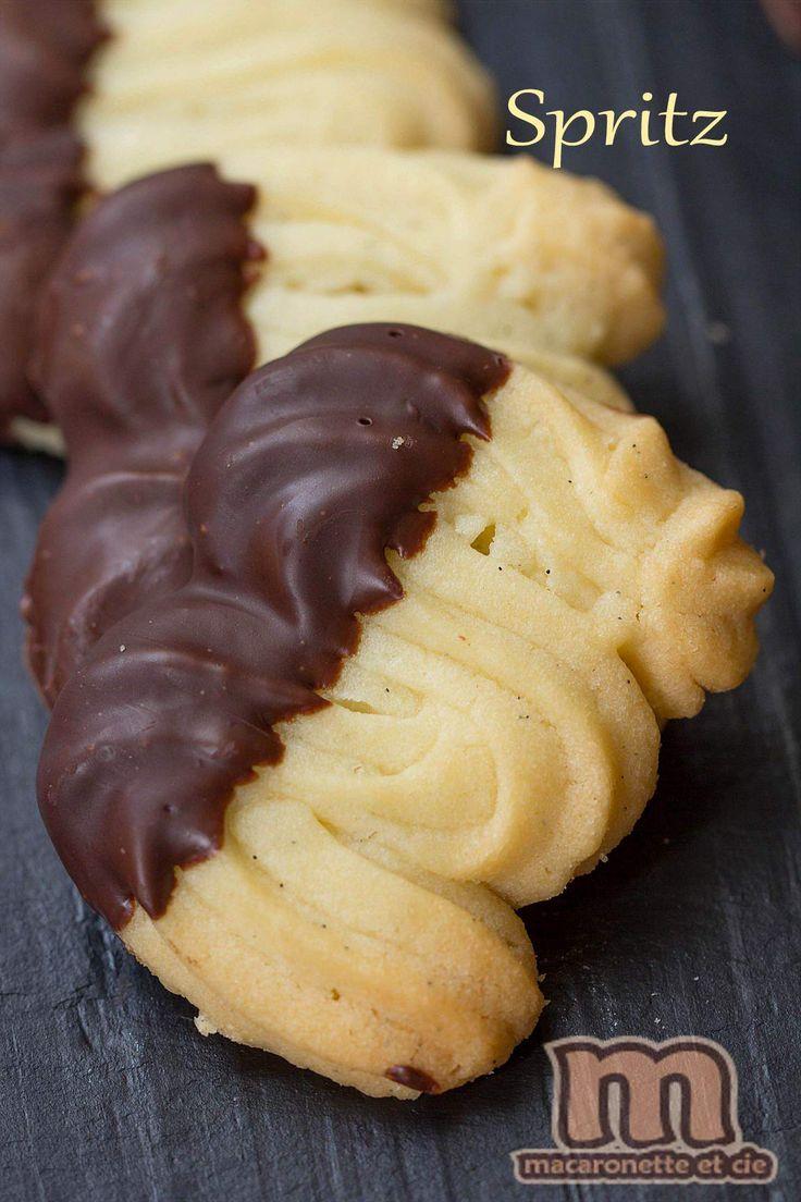 Spritz ou sprits telle est la question pour le nom de ces petits biscuits à la forme si caractéristique. On va dire que spritz, car c'est...