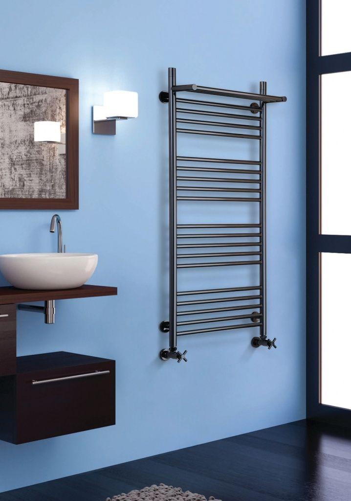 Le seche serviette design VD 4102 est un modèle en matière inox qui est disponible en inox poli ou doré. Ce seche serviette existe en chauffage central ...