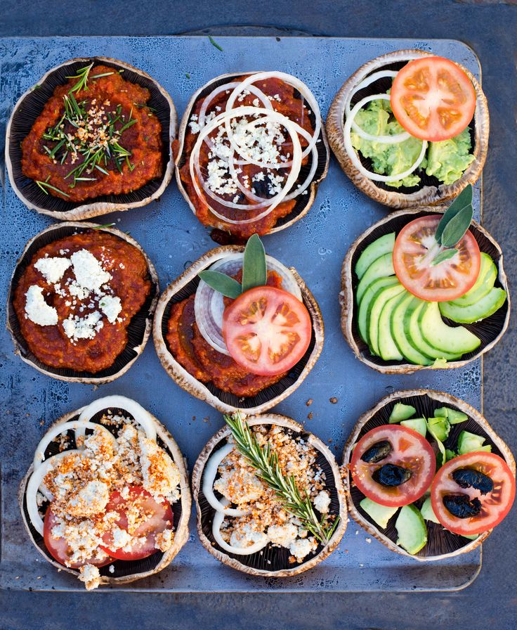 raw vegan mini pizzas /use lemon juice instead of vinegar/