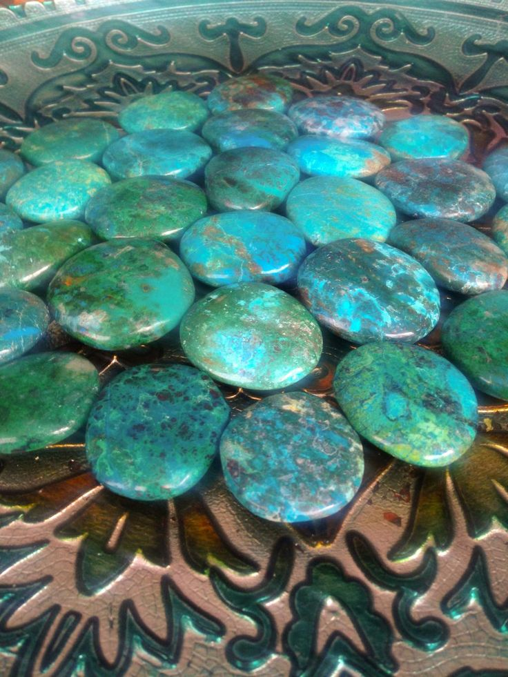 Chrysocolla - freedom, expression of the sacred feminine, finding your soul purpose - connects heart and throat chakras $10 via @shopseen