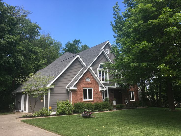 Sherwin Williams Gauntlet Gray With Pure White Trim