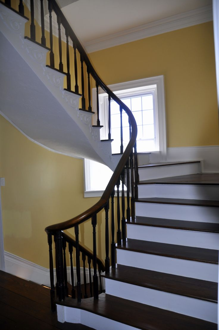 Best Boxwood Manor Greeneville Tn Spiral Stairs From 2Nd 400 x 300