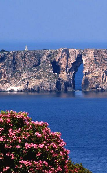 Sfaktiria, Pylos, Peloponnese, Greece   by Phil Hellenicos