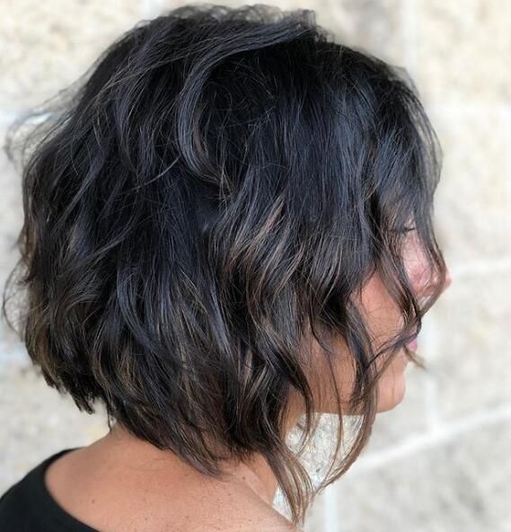 Lovely Short Wavy Bob Haircuts to Inspire Your Prom Look