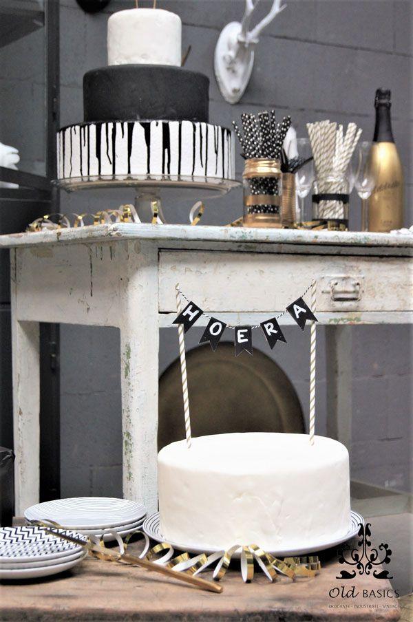 Old BASICS 10 jaar!   webshop voor Brocante  - Industrieel - Vintage   www.old-basics.nl   ijzeren apothekerskast op maat, brocante tafel, oude kruk, feest, party in zwart wit goud, taart