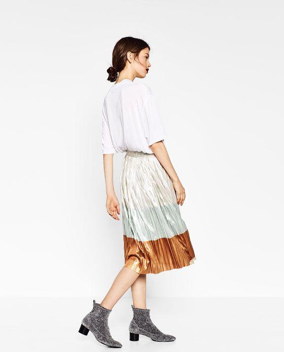 Image 3 of Plisseerock POMP from Zara