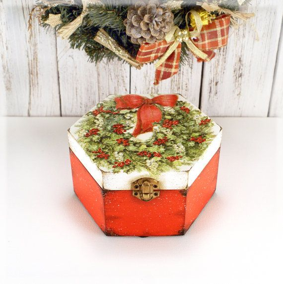 Christmas Wreath  Wooden Box Christmas decor  by Alenahandmade, $35.00