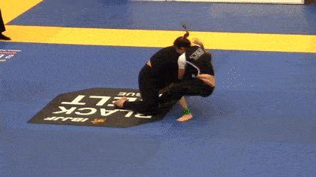 Mackenzie Dern (5'3) tries to triangle choke Gabi Garcia (6'2) http://ift.tt/1I1qZ6y Love #sport follow #sports on @cutephonecases