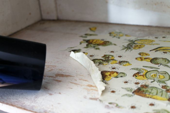 How to Remove Contact Paper - great method to remove the oldest contact paper in minutes!