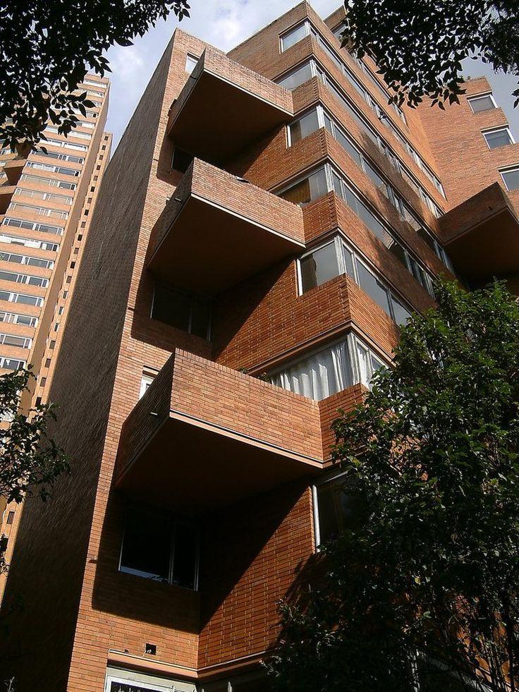 Galería de Clásicos de Arquitectura: Torres del Parque / Rogelio Salmona - 7