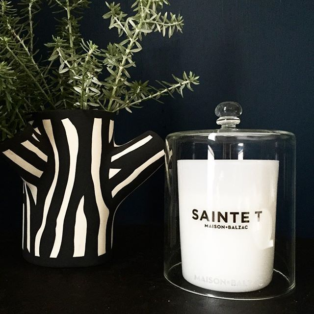 black, navy and white with the perfume of a thousand cut flowers #hay #sainteT #doctorcooper #glassDome #maisonbalzac #parfumsdidees