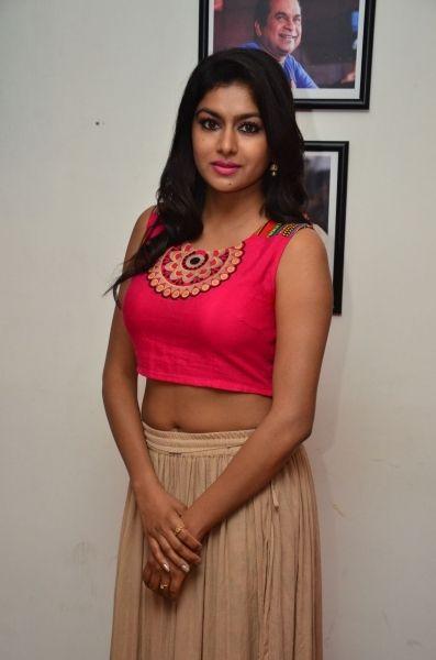 actress akshitha hot stills