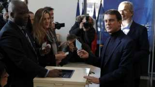 France election: Socialists vote in presidential primary
