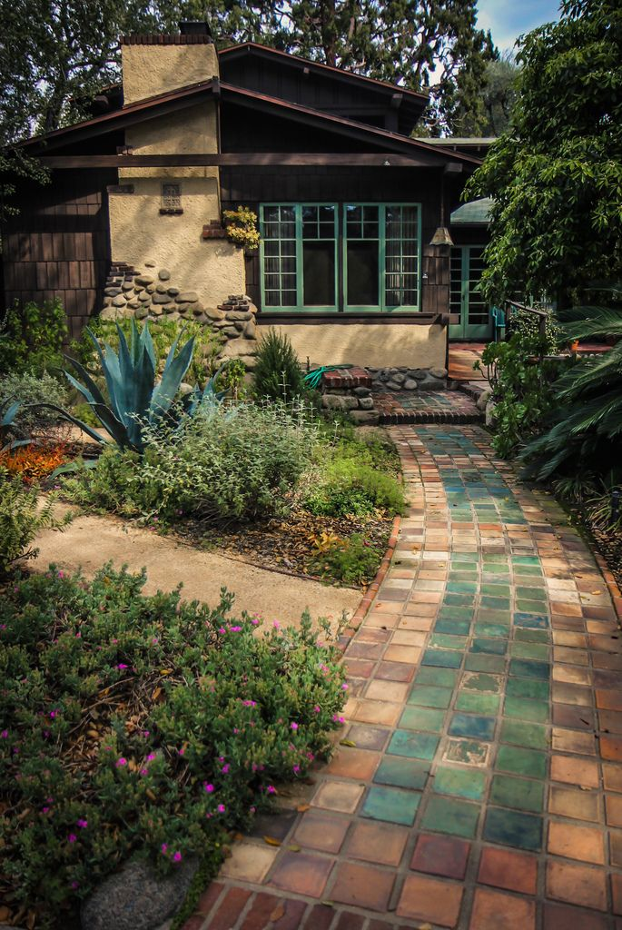 The Daily Bungalow : tile path by Karol Franks http://flic.kr/p/F9DpEm...