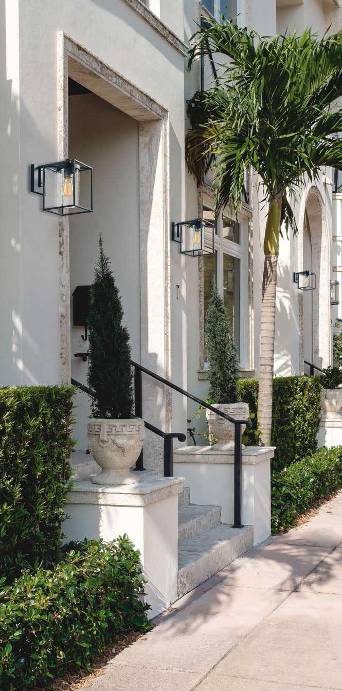 Απλίκα - φωτιστικό τοίχου, μονόφωτο σε industrial/βιομηχανικό στυλ, με μεταλλικό μαύρο πλέγμα και κυλινδρικό γυαλί. Κατάλληλο και για εξωτερικό χώρο. Σειρά Matty από την Viokef! - Wall light/lamp, industrial style, metallic black grid and cylindrical glass! #outdoorlighting door #homeoutdoor #homedecoration #yard #gardendesign #gardenlight #outdoorlighting #outdoorlight #viokef