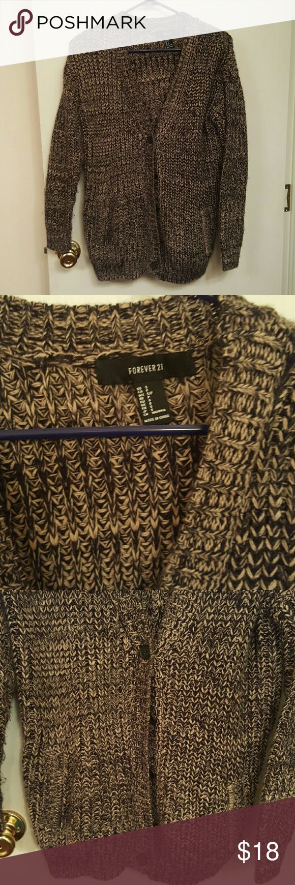 🆕💕 Forever 21 knit cardigan 💕 Soft forever 21 knit style cardigan. Has been worn, still in great condition. No rips or tears Forever 21 Sweaters Cardigans
