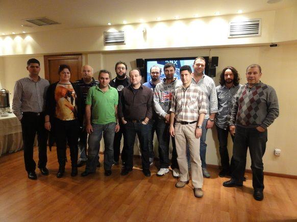 Η ανταλλαγή απόψεων, ιδεών και εμπειριών ήταν μόνο ένα μέρος και του 3ου ΚΝΧ Advanced Course που έγινε στην Ελλάδα, στην Αθήνα από τις 7 έως τις 10 Μαρτίου.   Παράλληλα της απαιτητικής  θεματολογίας του σεμιναρίου, το ενδιαφέρον επικεντρώθηκε και στις δυνατότητες του ΚΝΧ να επικοινωνεί με άλλα συστήματα κυρίως λόγω των ολοένα και περισσότερων κατάλληλων συσκευών για System Integration που είναι διαθέσιμες στην παγκόσμια αγορά και μάλιστα  σε ελκυστικές τιμές.