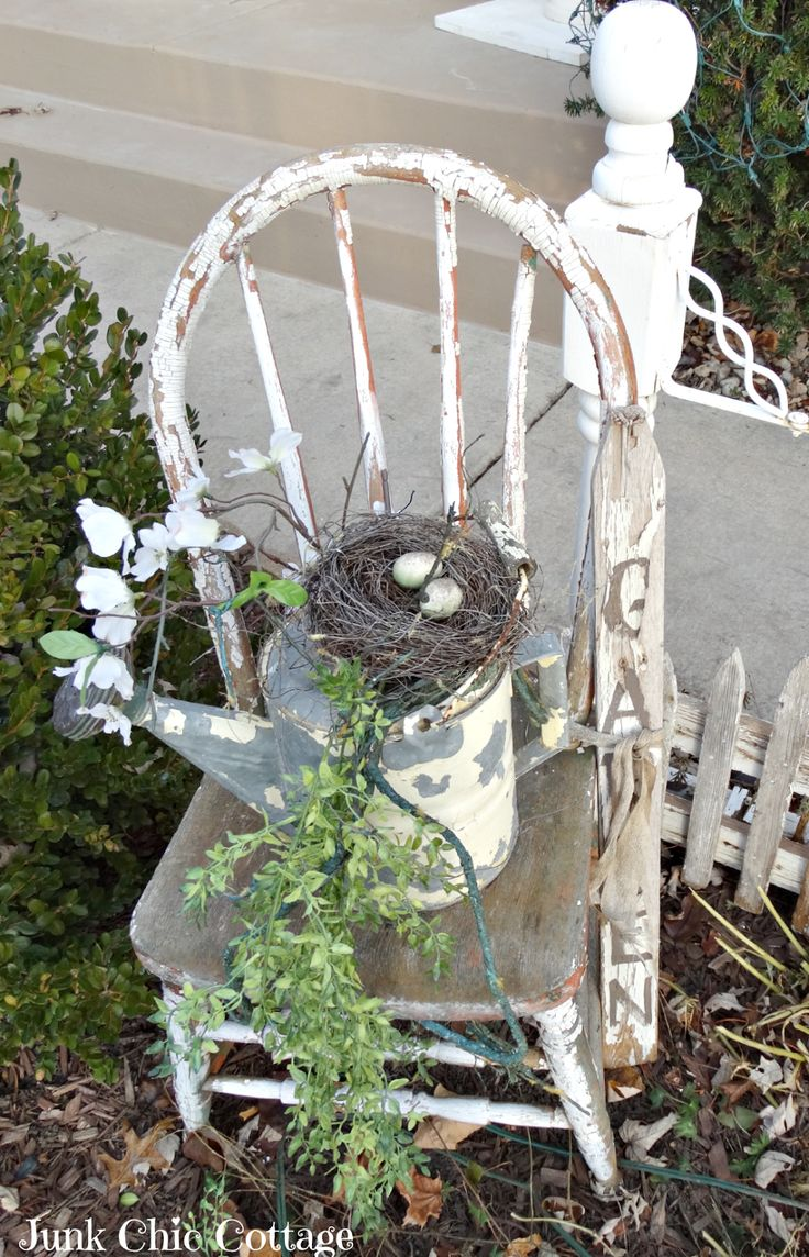Creative Garden / gardening ideas / old chair / watering can / bird's nest - Junk Chic Cottage
