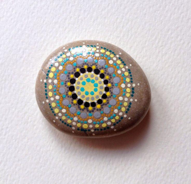 Anita Bujakowska Unicatella  Kamienie ręcznie malowane www.polandhandmade.pl #polandhandmade #paintedstone #aboriginalpainted