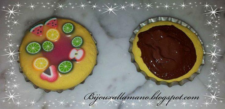 Crostate alla frutta e alla nutella. Si possono usare come decorazioni, ciondoli, calamite etc...