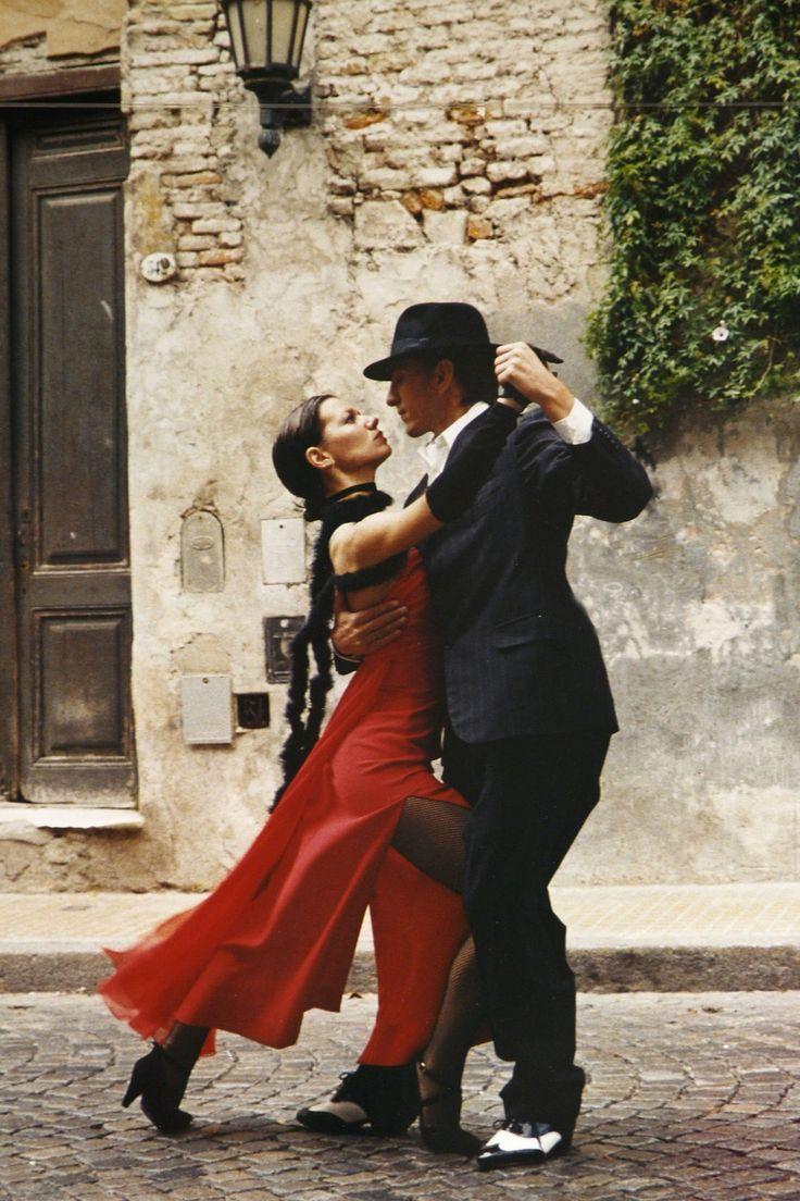 Onda Latina: Musica Di Tango, Salsa, Flamenco Per I Tuoi Momenti di Festa!