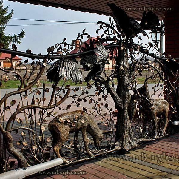 Metal gate -Poland