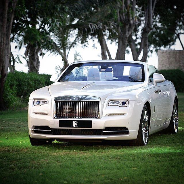 Pin By Essence Of Amore On Cars Rolls Royce Motor Cars Rolls