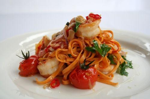 The Perfect Winter Warmer Pasta Recipe - Angelo's Fresh Pasta Products | Tomato Linguini with Chilli Garlic Prawns