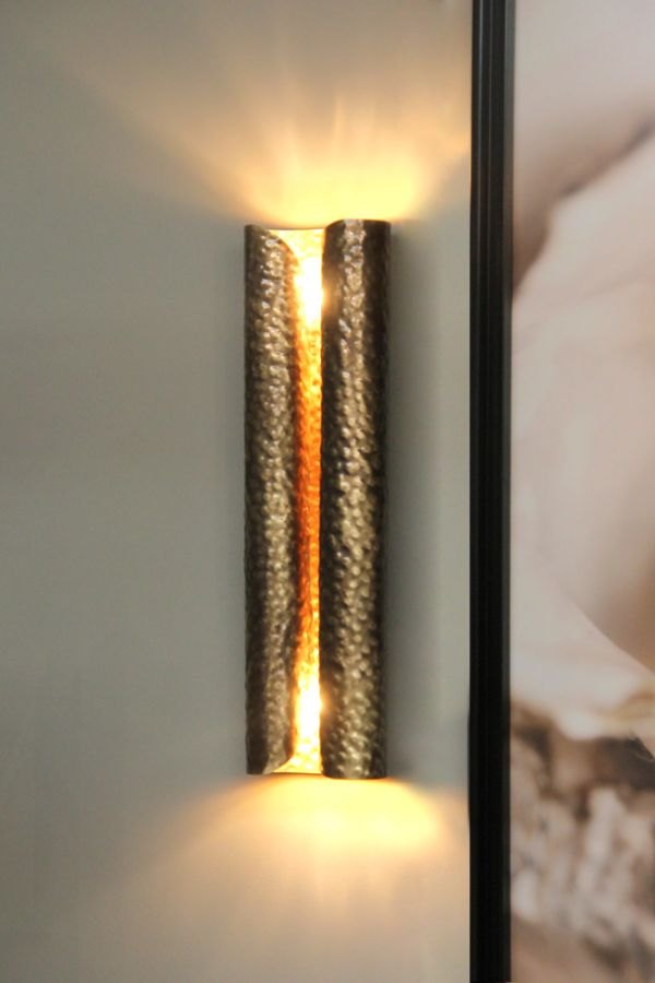 Home interior decor: decorating with brass accents #homedecor #lighting #brassaccents  See more at: http://www.brabbu.com/