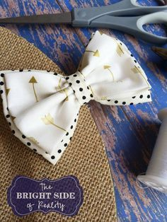 how to make a fabric hair bow tutorial. This diy craft idea is really easy and these hairbows make great gifts for girls, too.