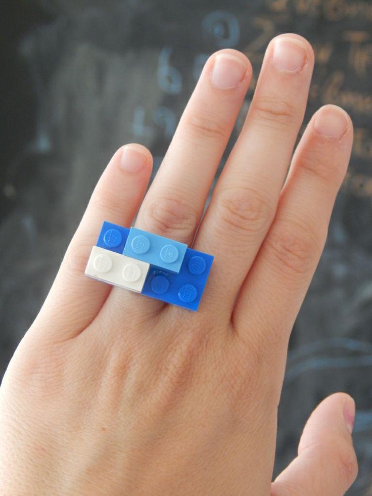 (17) Δαχτυλίδι lego μπλε και λευκό