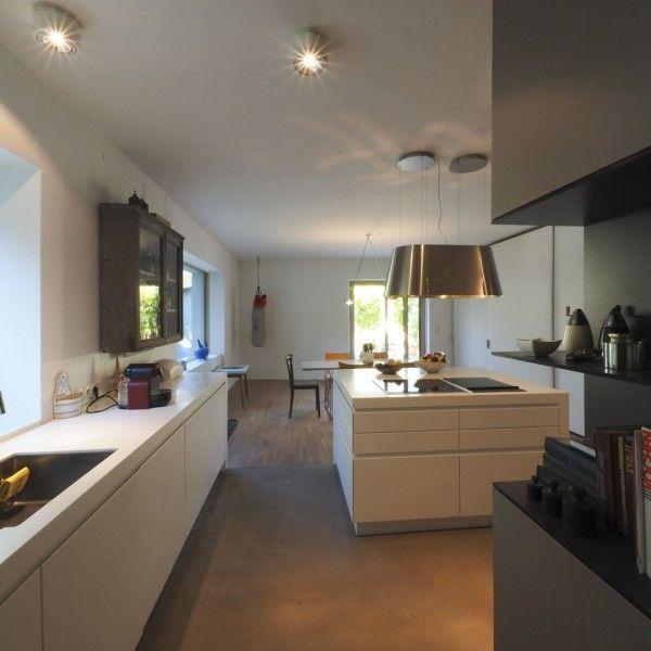 Spectacular K che Syntax Architektur Haus mit Waldblick