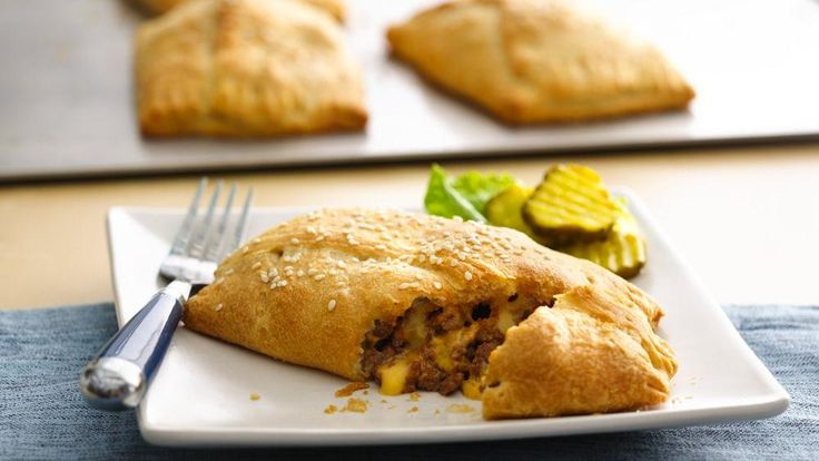 Enjoy these cheeseburger hand pies made with beef and Pillsbury® Big & Flaky dinner rolls – a delicious dinner that's ready in 30 minutes.