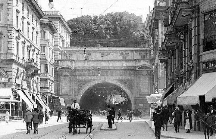 Foto storiche di Roma - Traforo Umberto I Anno: 1920 ca