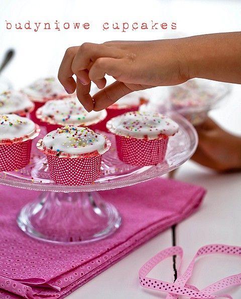 Budyniowe babeczki z lukrem; trzeba zmniejszyć ilość cukru o połowę!!!